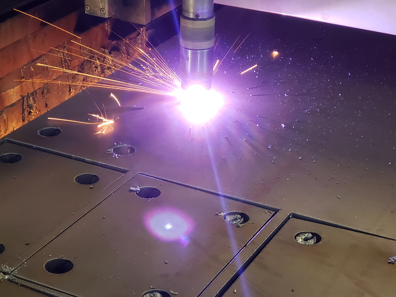 CNC HD Plasma Cutting Holes in Thick Metal Plate